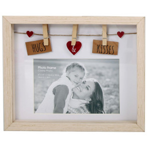 Clothes Line Wooden Box Frame With Pegs For 6 X 4 Photo Frame - Hugs And Kisses